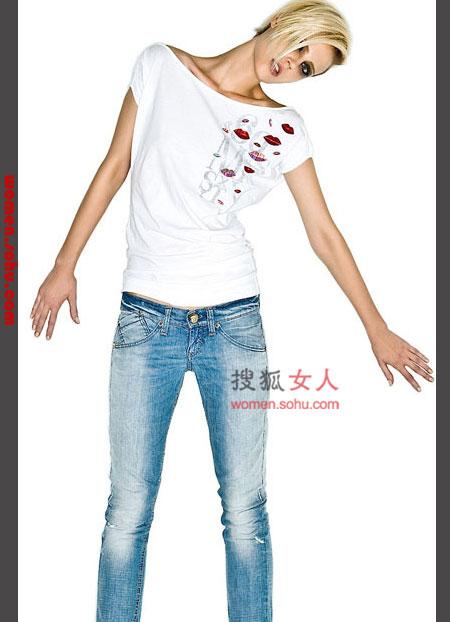 T恤搭配 牛仔搭配 瘦腿穿搭