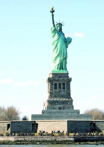 自由女神像的脚_自由女神像内部什么样?_雕塑_连天红(福建)家具有限公司
