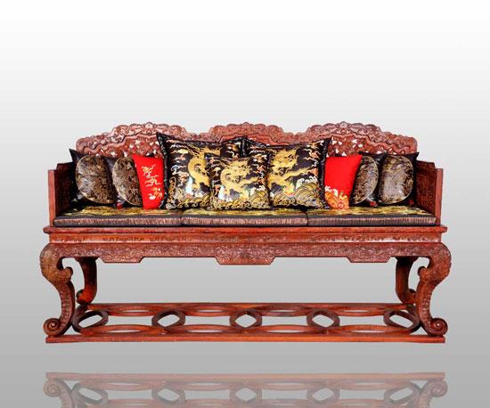 """连天红""""出国""""; 仙作红木家具精品展示; 1 打蜡工艺更易看清红木家具材"""