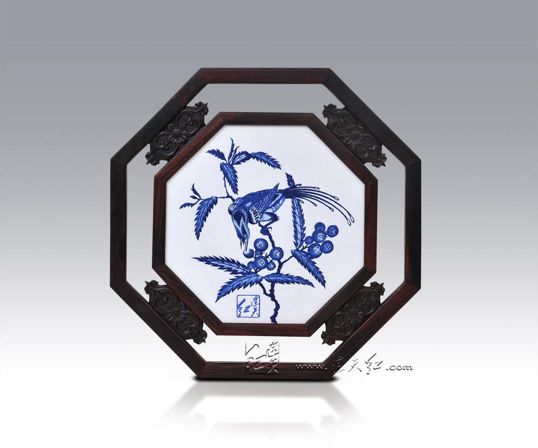 青花枇杷鸟纹