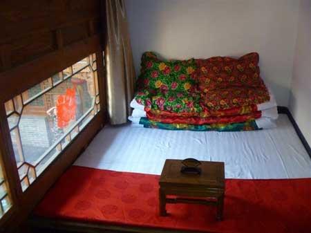 卧室炕床装修效果图 卧室衣柜装修效果图 卧室墙壁装修效果图