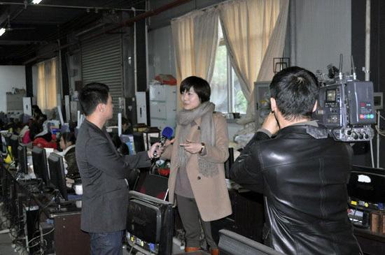 连天红接受福建省电视台采访