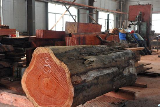 非洲紫檀家具取材天然优质的深色名贵硬木
