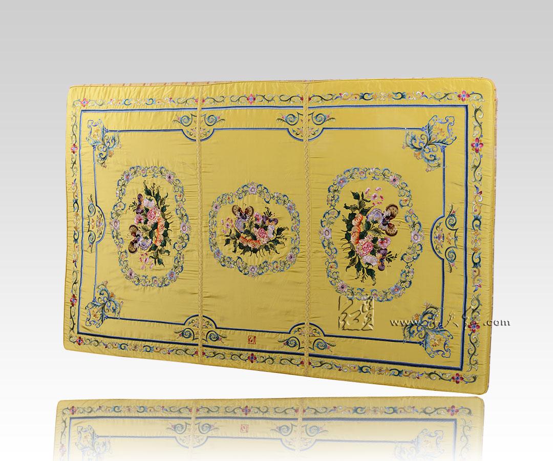 坐垫(黄地花卉纹)(配CL06)