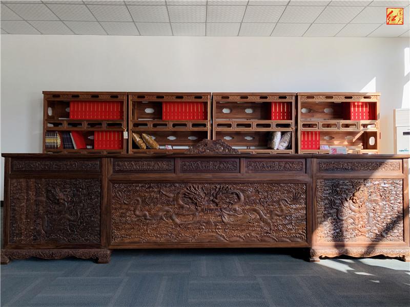 龙纹办公桌